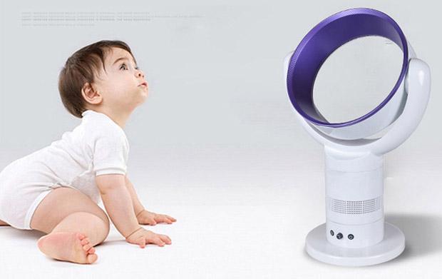 Terlalu sering terpapar kipas angin dan AC dapat menjadi masalah kesehatan anak balita penyakit seperti pneumonia, rinitis, asma, bahkan kerusakan paru-paru.
