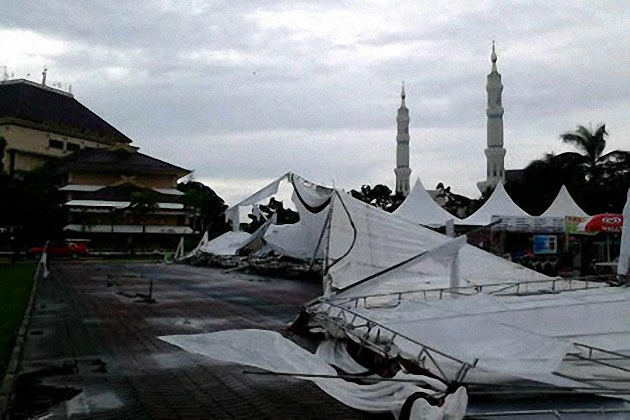 Tenda Kerucut Outdoor Pada Event PPKI 2014